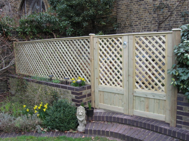 Elmwood Fencing East Sheen Village