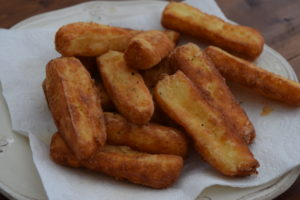 Halloumi-chips-recipe-lucyloves-foodblog-east-sheen-village