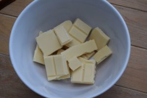 Lucy-loves-spooky-white-chocolate-popcorn-recipe-east-sheen-village