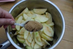 Grilled-caramel-apple-crumble-recipe-lucyloves-east-sheen-village