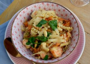 Noodles-prawns-egg-recipe-lucyloves-east-sheen-village