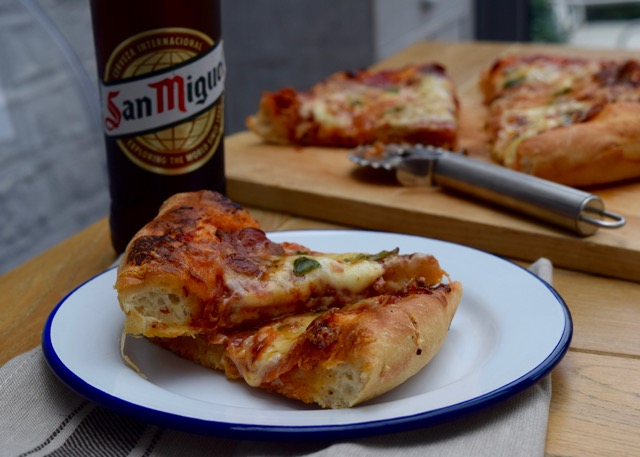 Deep-pan-pepperoni-pizza-recipe-lucyloves-east-sheen-village