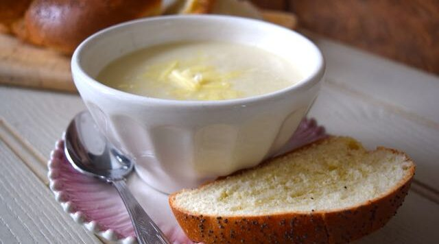 Cauliflower-cheese-soup-recipe-lucyloves-east-sheen-village