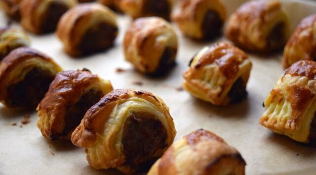 Christmas-stuffing-sausage-rolls-recipe-lucyloves-east-sheen-village