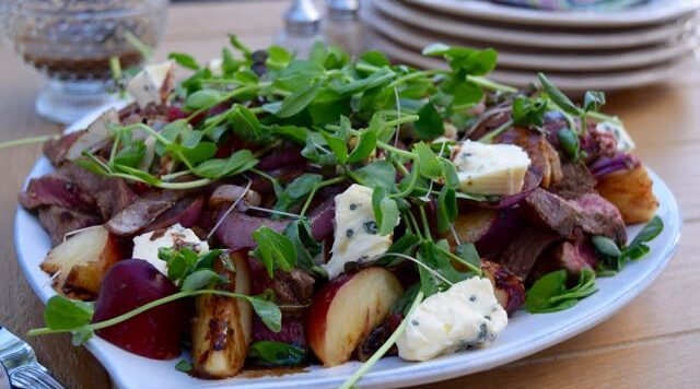 Steak-roasted-peach-summer-salad-recipe-lucyloves-east-sheen-village