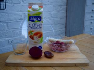 Beetroot-raspberry-smoothie-recipe-lucyloves-east-sheen-village