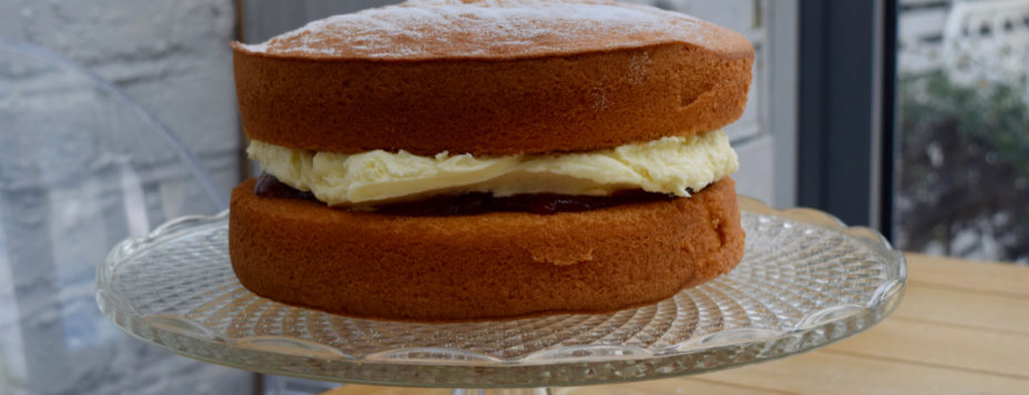 victoria-sponge-recipe-lucyloves-east-sheen-village
